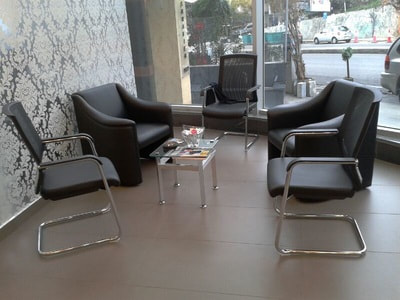 3 visitor chrome chair and 2 armchair in leather